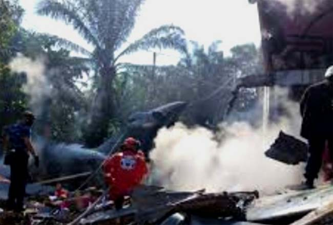 Video: Pesawat TNI AU Jatuh di Pemukiman Penduduk di Kubang Jaya Kampar