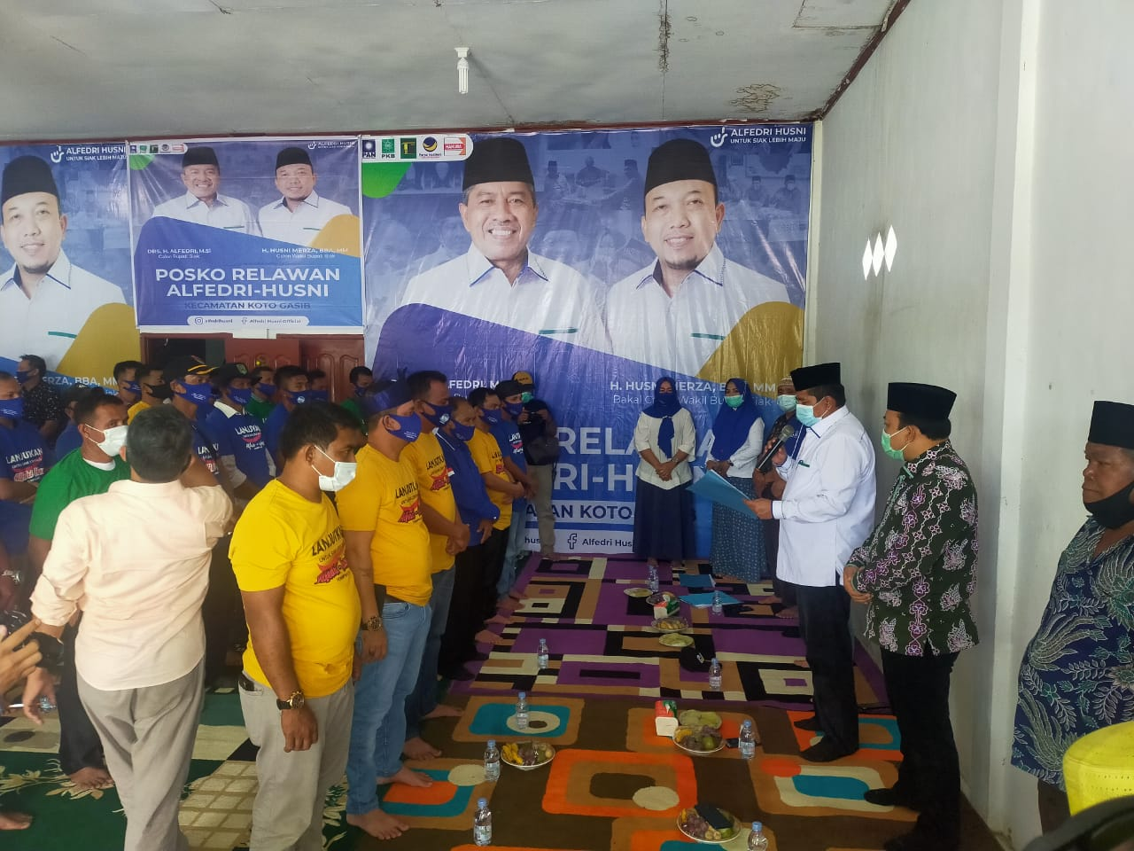 Alfedri-Husni Kukuhan Tim Relawan Kecamatan Koto Gasib