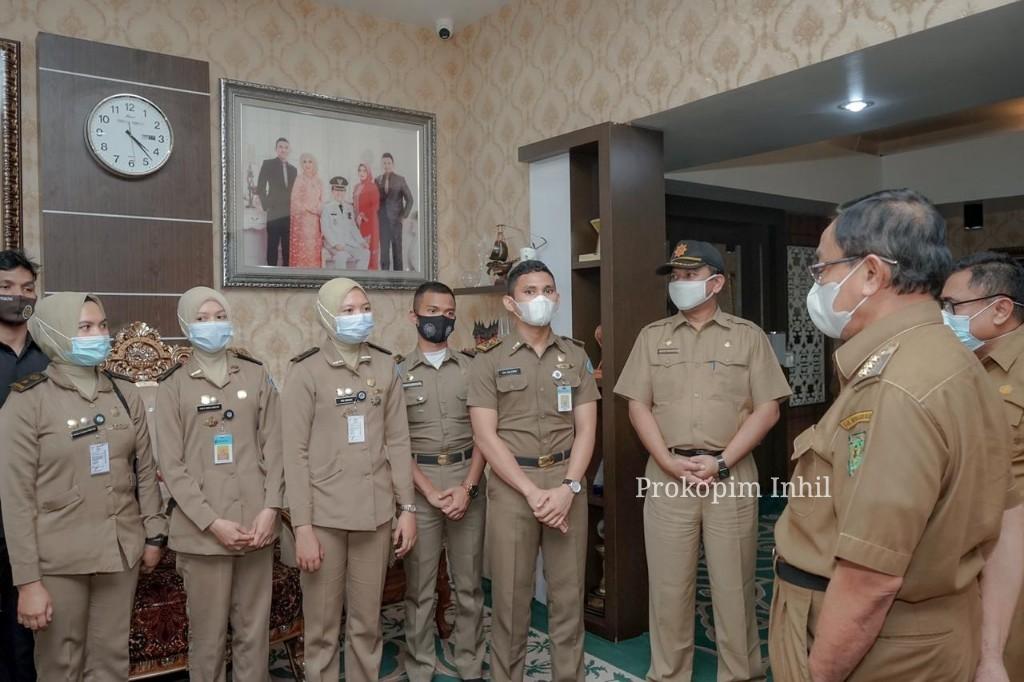 Bupati HM.Wardan Berikan Nasehat Kepada 7 Orang Praja IPDN