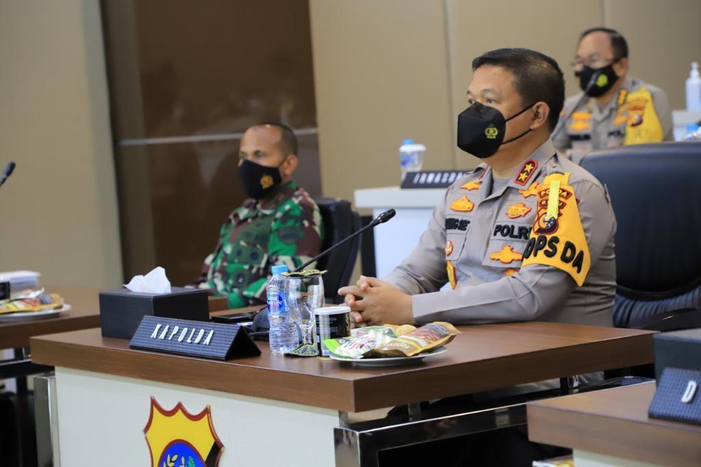 Kapolda Riau Bersama Danrem Serta Danlanud ikuti Rapim TNI/Polri Tahun 2021 Secara Virtual