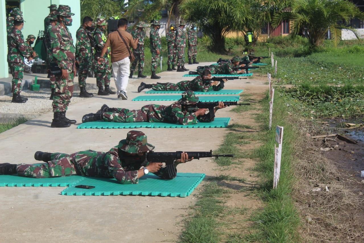 Ikuti Kompetisi, Prajurit Kodim 0314/Inhil Latihan Menembak