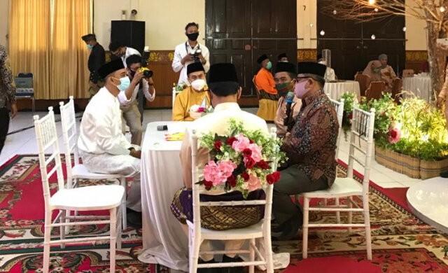 Gubernur Riau dan Pjs Bupati Siak Jadi Saksi Akad Nikah Ami Desriski-Sintia Faronica